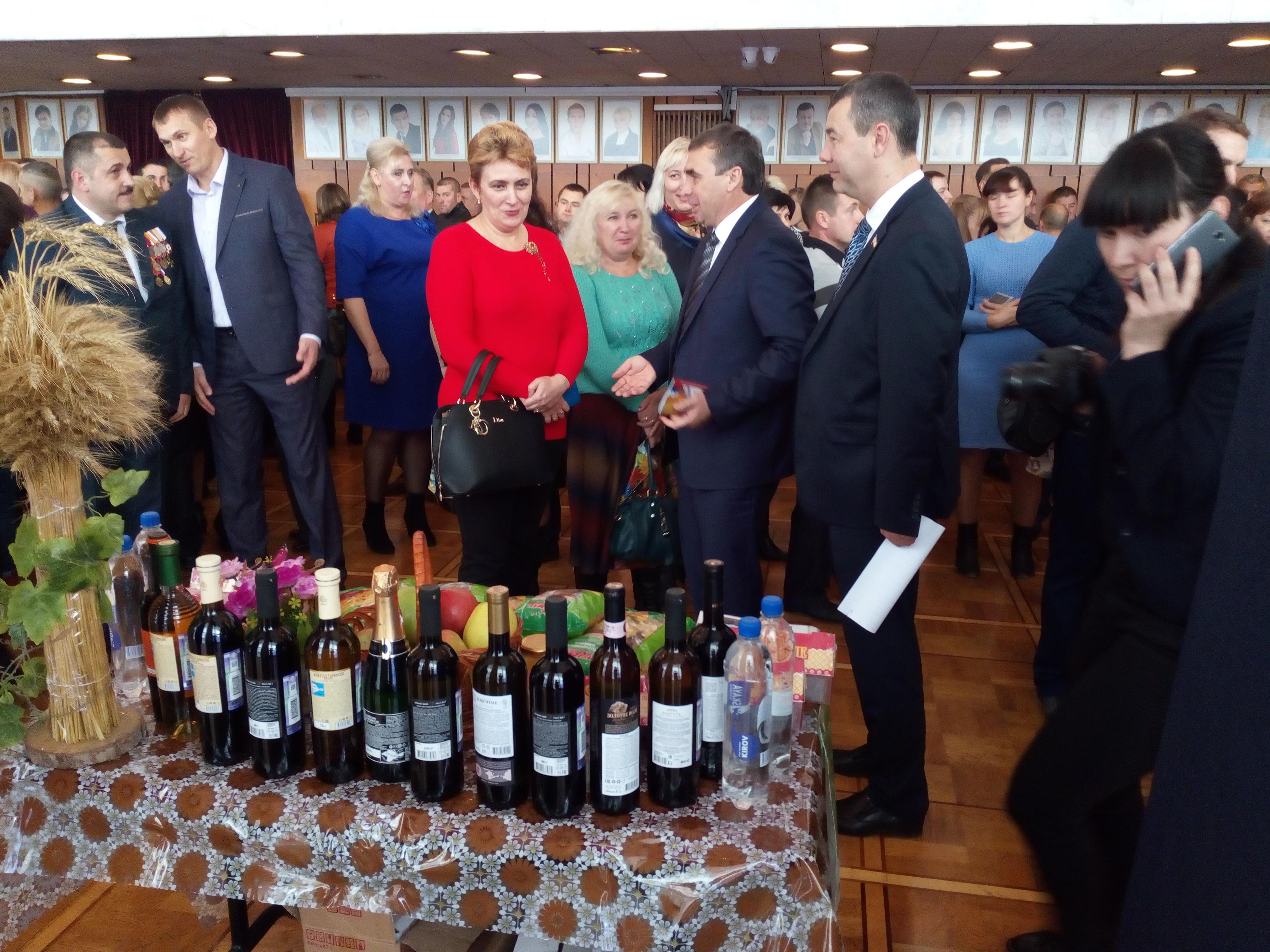 Кировчане приняли участие в торжественном собрании, посвященном Дню работника сельского хозяйства и перерабатывающей промышленности